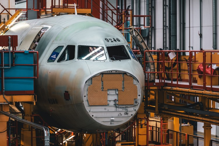 SWISS Airbus A320neo Inside The Finkenwerder Factory