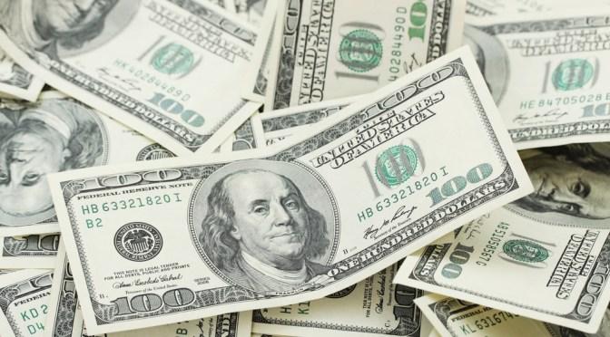 Dólar cierra semana con racha negativa, se vende en $19.02 en bancos