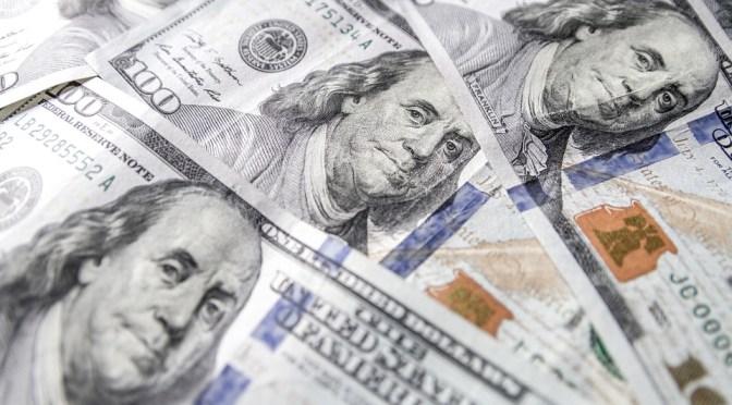 Dólar gana terreno, se vende hasta en 19.23 pesos en bancos capitalinos