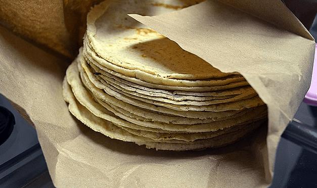Científicos agregan probióticos a pan y tortilla contra estreñimiento