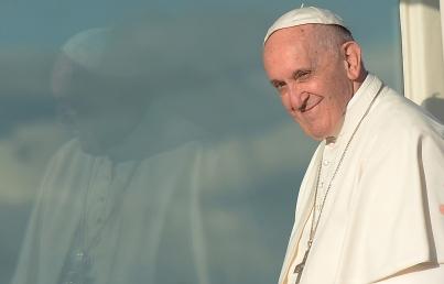 El Papa insta a católicos a ayudar a jóvenes y familias hispanas en EUA