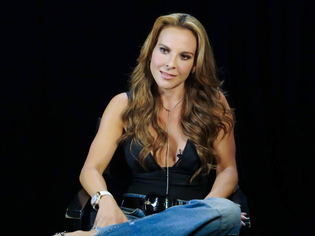 FOTOS: Kate del Castillo se desnuda en defensa de los animales
