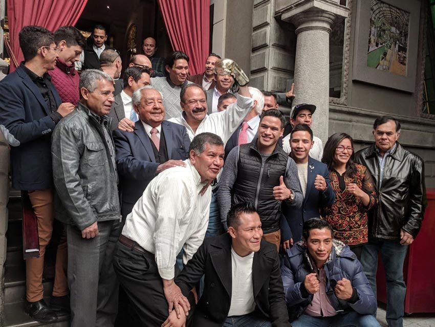 Boxeadores externan apoyo a Armando Ahued para jefe de gobierno