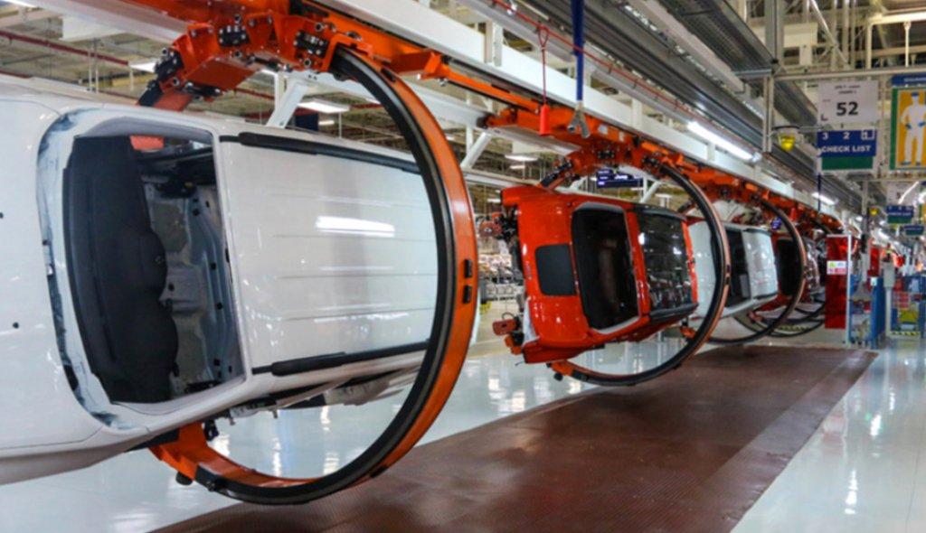 Fiat Chrysler mantiene compromiso y producción en México