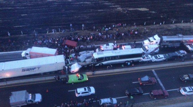 Choque en libramiento Toluca-Lerma deja 15 lesionados y un fallecido