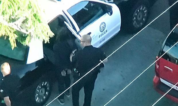Estudiante armada deja dos heridos en escuela secundaria en California