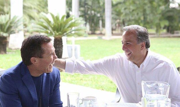 Meade se reúne con exboxeador Julio César Chávez en Sinaloa