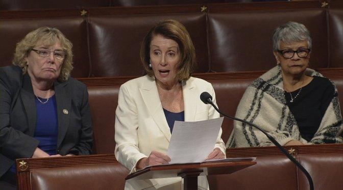 """Nancy Pelosi realiza maratón en defensa de """"dreamers"""""""