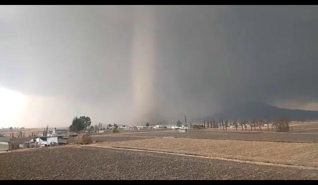 VIDEO: Tornado daña 45 casas en Jiquipilco en Estado de México