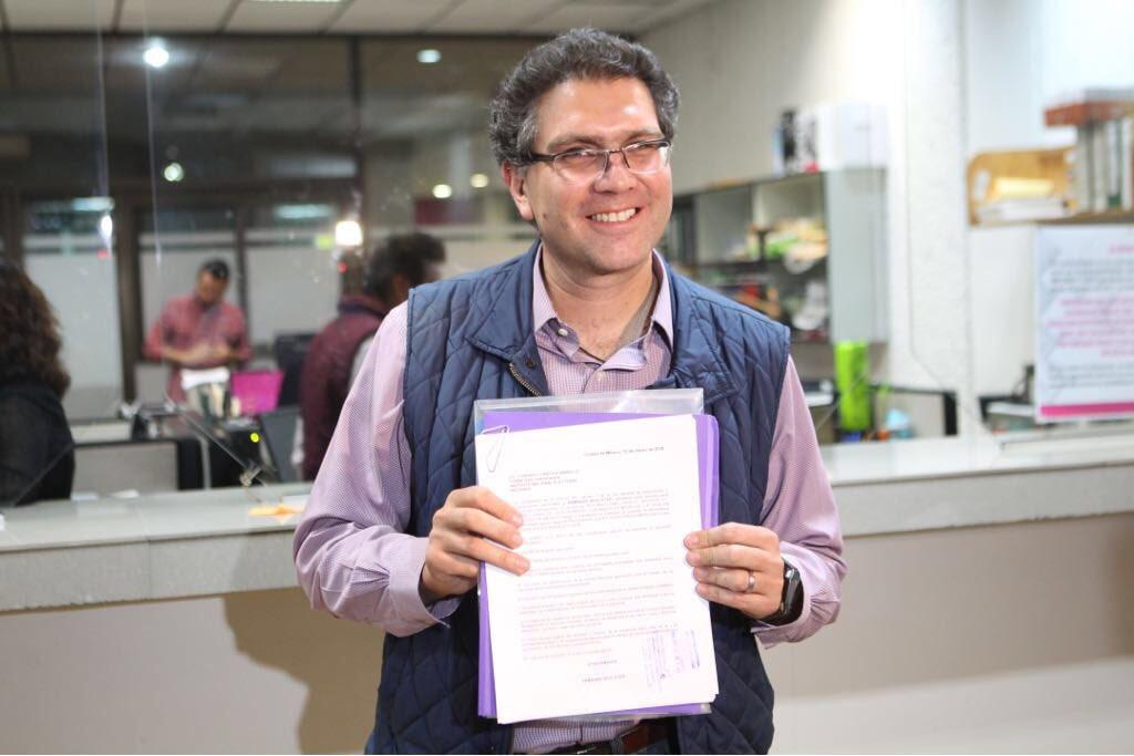 Ríos Piter pide registro como candidato presidencial independiente