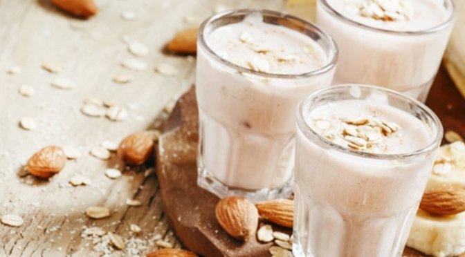 Té, leche y lechuga, productos aliados para conciliar el sueño