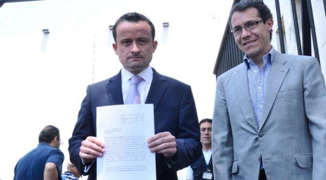 Mikel Arriola denuncia a Barrales por supuesta evasión fiscal