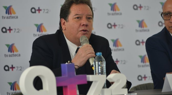 "Jorge ""Coque"" Muñiz firma contrato con TV Azteca"