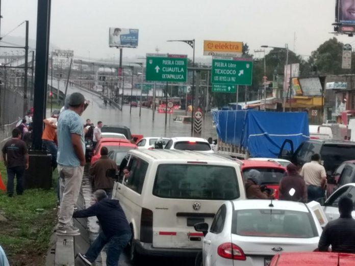 FOTOS: Fuertes lluvias inundan Zaragoza, afectan a Línea A del Metro…