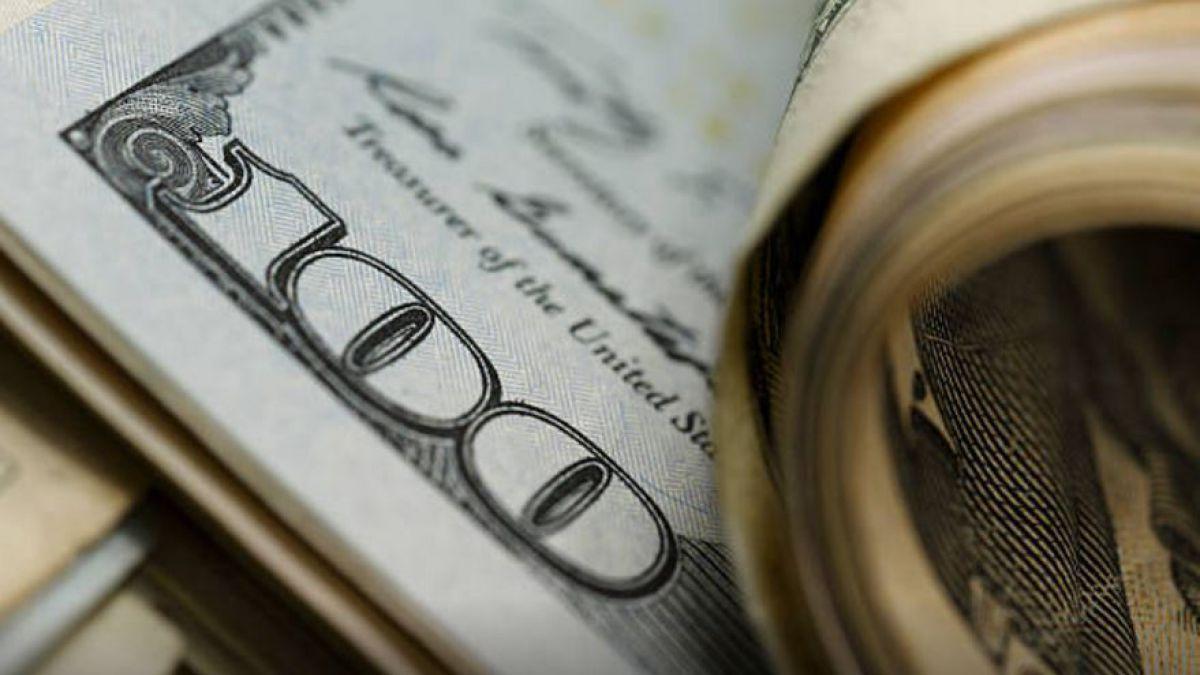 Dólar inicia la semana en 19.20 pesos en terminal aérea capitalina
