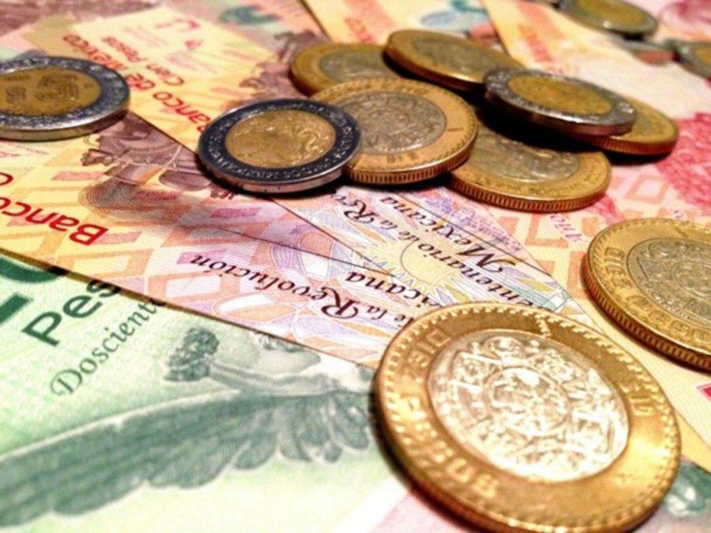 El peso cerró la sesión con una apreciación de 0.51% o 9.7 centavos, cotizando alrededor de 19.07 pesos por dólar