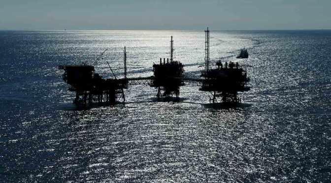 Petroleras privadas producen 49 mil barriles diarios