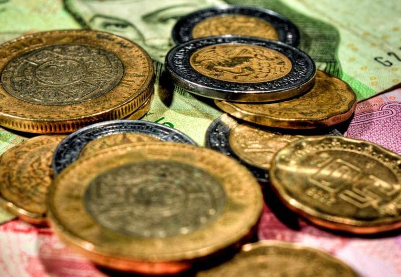 El peso cerró la sesión con una depreciación moderada de 0.11% o 2 centavos