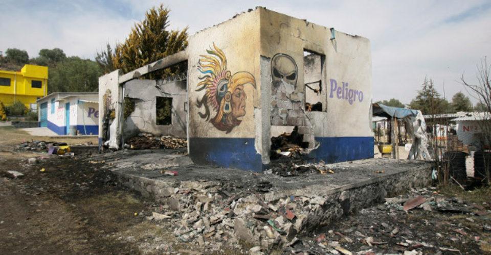 Se registran dos explosiones en zona de talleres de pirotecnia en Tultepec