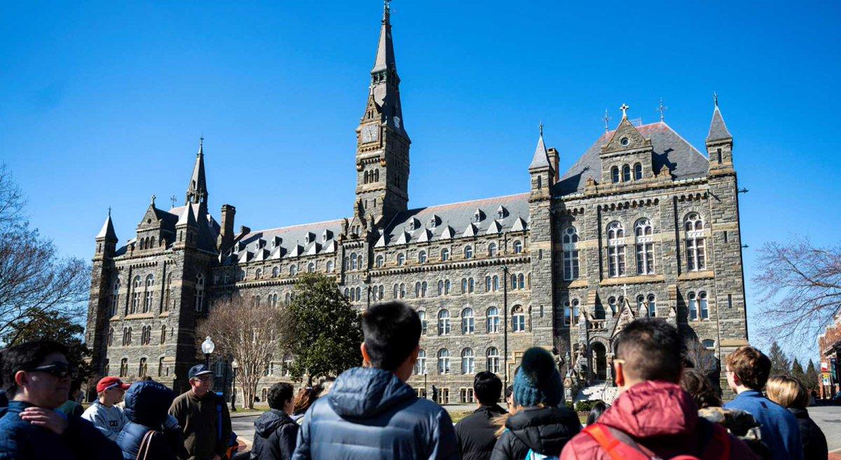Investigan a celebridades de Estados Unidos por presunto fraude universitario