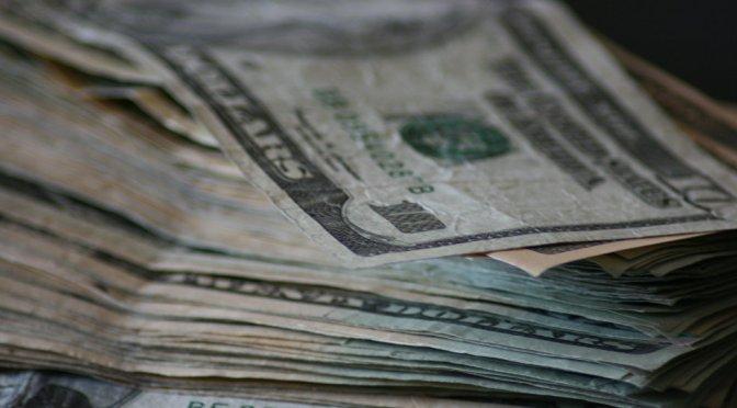 Durante el overnight, el tipo de cambio alcanzó un máximo de 24.1680 pesos, ante un fortalecimiento del dólar relacionado con la preocupación de una segunda ola de contagios