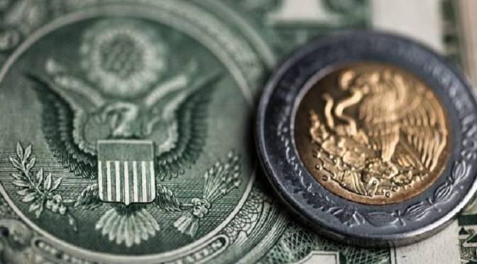 El peso inicia la sesión con una depreciación moderada de 0.09% o 1.7 centavos