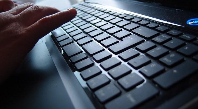 Reducir brecha digital trae diversos beneficios al país