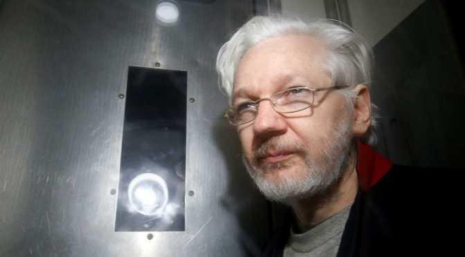 Comenzó el juicio para decidir si se extradita a Julian Assange a Estados Unidos