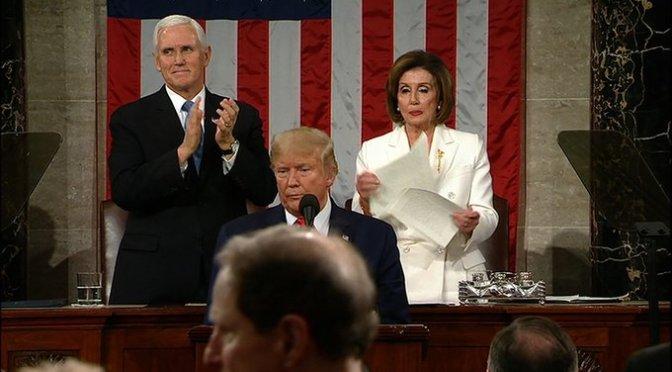 Nancy Pelosi rompió su copia del discurso de Donald Trump sobre el Estado de la Unión