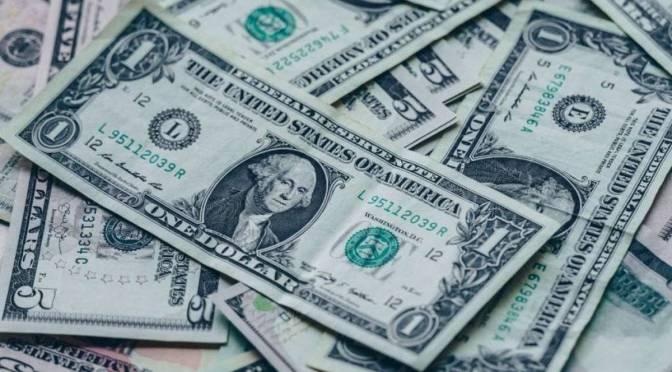 Dólar cae 0.26% en la barrera de los $22 ante el temor por un rebrote de COVID-19