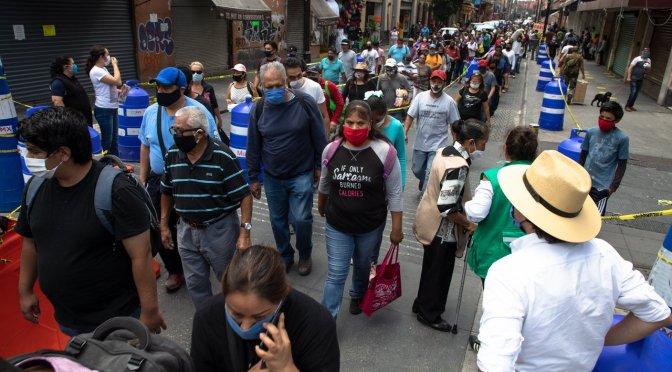 Gobierno de México pide cambiar rumbo ante rebrotes de COVID