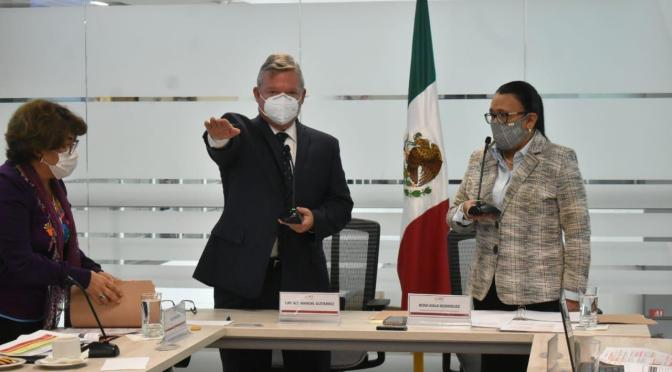 Toma protesta nuevo director general en API Ensenada