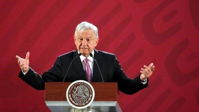 AMLO recomienda al INE reducir presupuesto a partidos políticos
