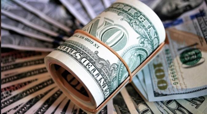 Dólar cotiza tocando un un máximo de 21.48