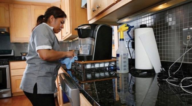 """Las trabajadoras del hogar internas: """"confinadas"""" y sin derechos"""