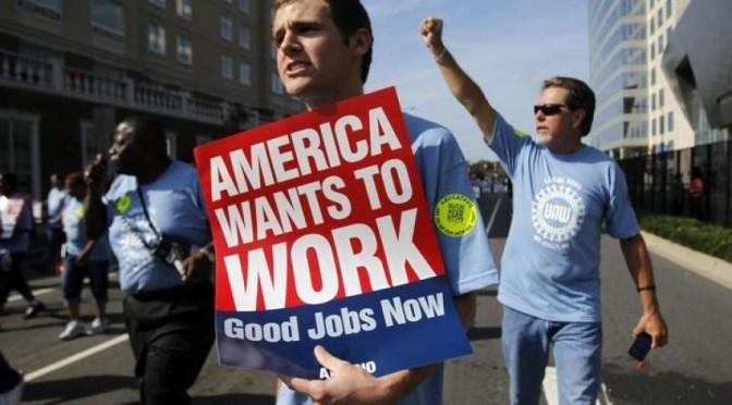 Peticiones semanales de apoyo por desempleo en EU bajan 19,000