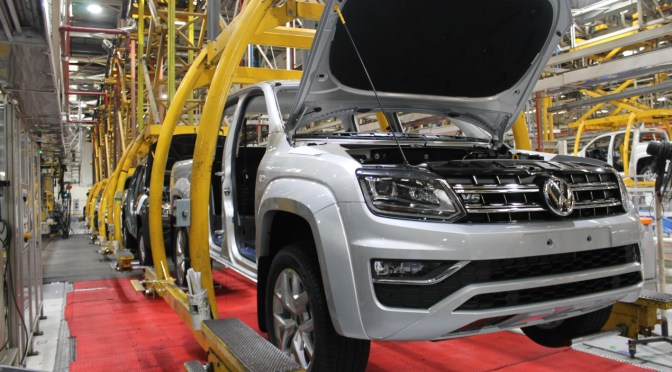 Volkswagen busca reclamar daños a los proveedores por la escasez de chips