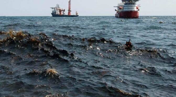 Estados Unidos acusa a dos trabajadores en alta mar por derrames de petróleo en el Golfo de México
