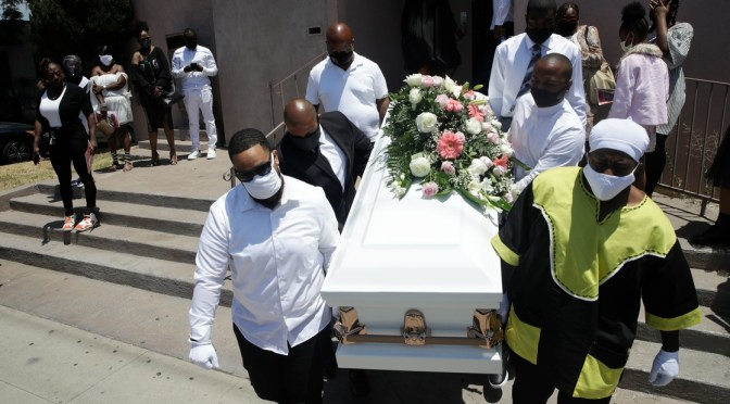 Funerarias en California se quedan sin espacio por COVID-19