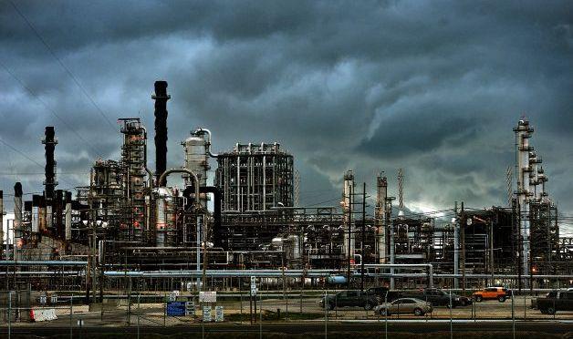 Congelación de Texas provocó la liberación de toneladas de contaminantes del aire cuando las refinerías cerraron