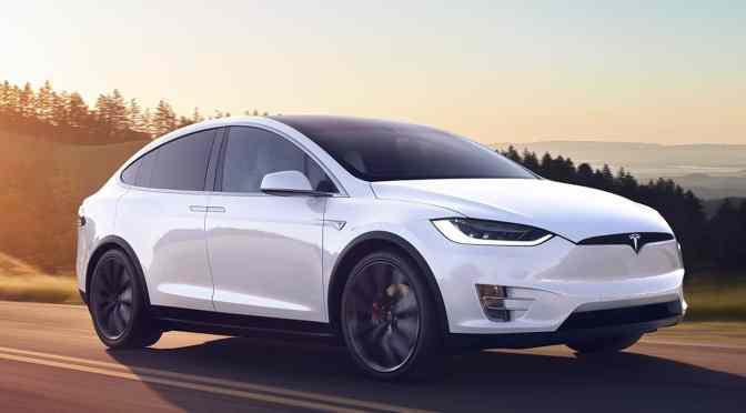 Tesla retirará del mercado 134,951 vehículos por presión de los reguladores de seguridad automotriz