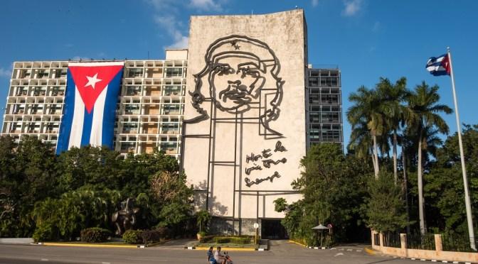 Importaciones de Cuba desde China caen un 40% en 2020