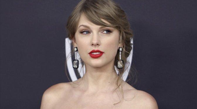 "Demandan a Taylor Swift por usar la palabra ""Evermore"""