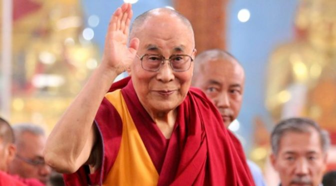 Dalai Lama recibe la vacuna contra el coronavirus