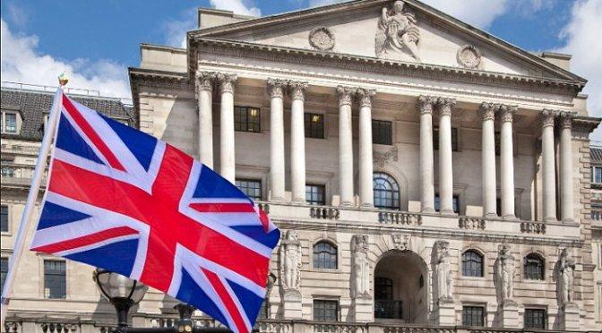Banco de Inglaterra insta a los bancos a mantener abiertos los grifos de préstamo