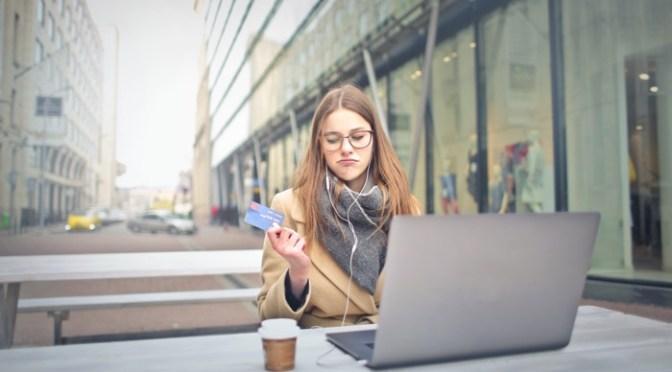 Mujeres solicitaron menos préstamos que los hombres durante 2020