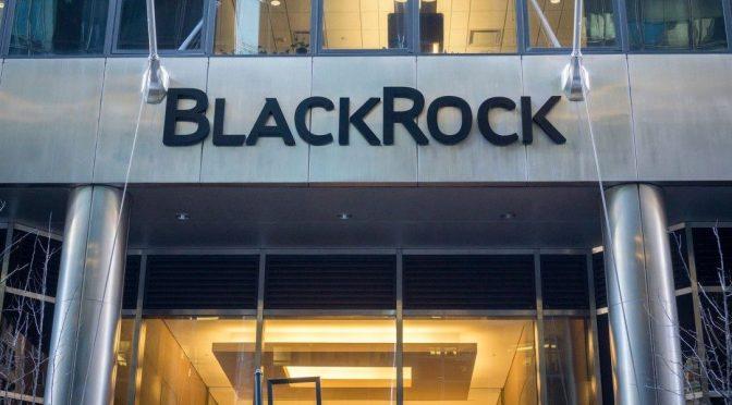 BlackRock sigue respaldando las acciones tras la turbulencia del mercado de bonos