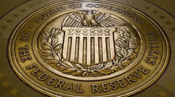 Fed ve un aumento del crecimiento económico y una inflación por encima del objetivo en 2021