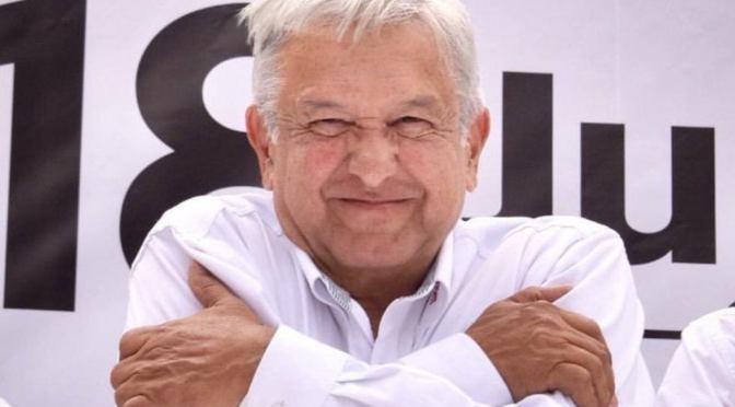 Aprobación de López Obrador sube cuando México rebasa los 186,000 muertos por Covid-19