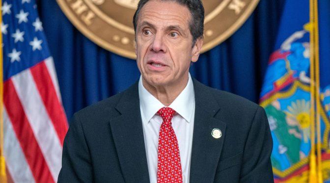 Otra mujer acusa a gobernador de NY de conducta inapropiada